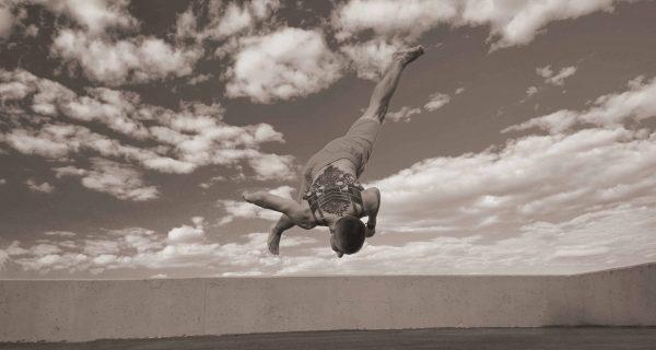 Kampfkunst-Akrobatik-and-Tricking